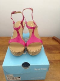 Pair of pink open-toe ankle strap heels (still New) Vancouver, V5M