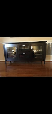 Like new tv stand  Chantilly, 20152