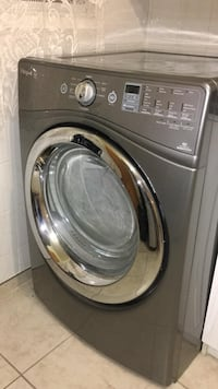 Black lg front-load clothes washer in excellent condition 1 year old. Montréal, H1E 1A3