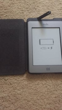 Amazon Kindle with leather case w/lamp Harker Heights, 76548