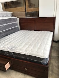 California king size bed (Mattress included ) Commerce, 90040