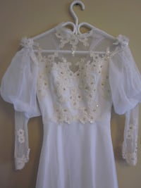 GORGEOUS Hademade Victorian Gown w/ Lace -White, S Whitchurch-Stouffville