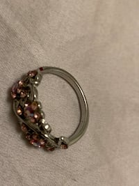 Size 5 ring like new w Vancouver, V5R 4E5