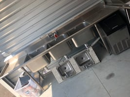 Stainless Steel Triple Sink with dry station on both sides, Two Stainless Steel small Bar sinks