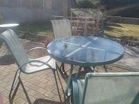 Patio set with 3 chairs North Vancouver, V7N 1B3
