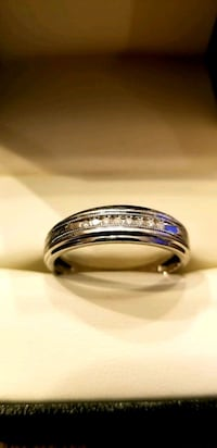 Men's Wedding Band Hillsboro, 97124