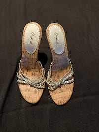 Also silver wedge sandals, size 5 Vaughan, L6A 2W6