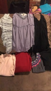 size small tops Vienna, 22180