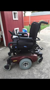 Pronto sure step motorized wheelchair Redford, 48239