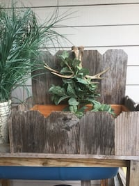Rustic accent or planter Houston, 77095