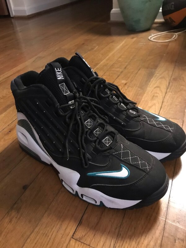 """2011 Nike Air Griffey Max 2 """"Freshwater"""" Size 13"""