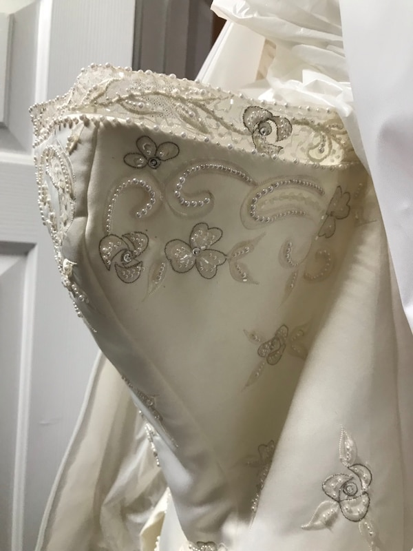 596dba4da76 Brukt Elegant Wedding Dress til salgs i Woodstock - letgo
