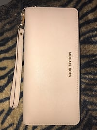 Michael Kors Jet Set Travel Continental Wallet in Oyster Saffiano Leather Auburndale, 33823