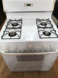 white 4-burner gas range Baltimore, 21213