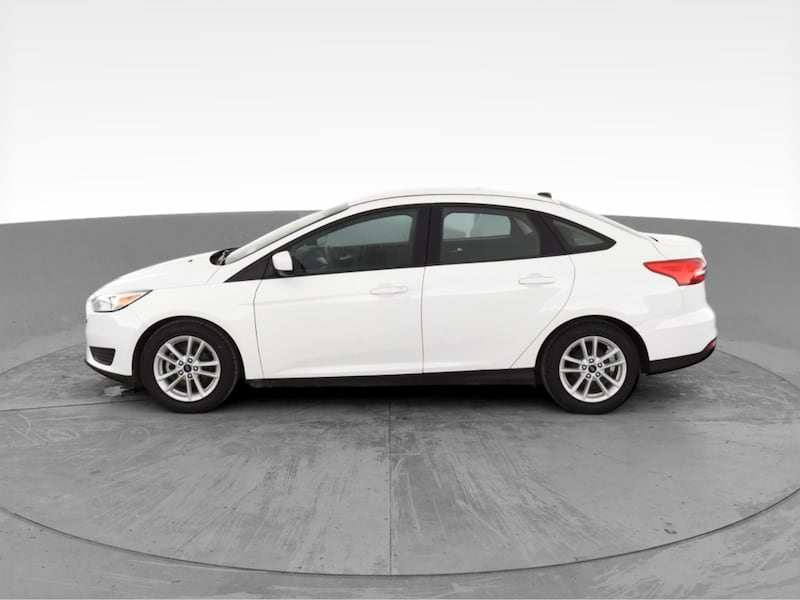 2018 Ford Focus sedan SE Sedan 4D White <br /> 4
