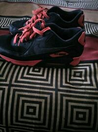 Men's black and red air max size 8.5 Lexington, 40505