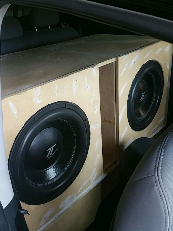 used two 15 inch majestic subwoofers with custom box for sale in buckeye letgo. Black Bedroom Furniture Sets. Home Design Ideas