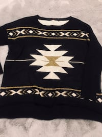 Ladies very soft wool sweater from Dex. Size M