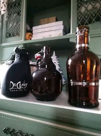 2 Glass Beer Growlers with soft Beer Coozy Baltimore, 21216