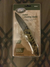 brown and black Camo folding knife pack
