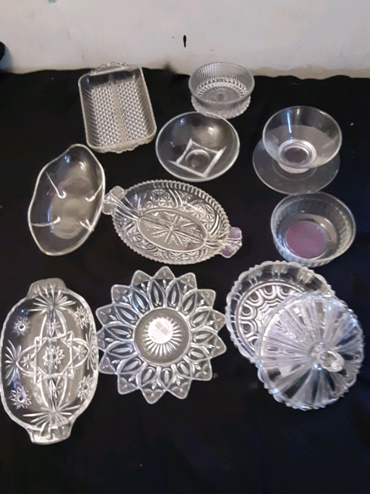 Photo Vintage glass candy dishes n jars lot