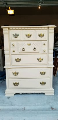 Chest of drawers (dresser) hand painted 296 mi