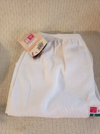 New Women's White Sweatpants by Hanes. Size L Manassas