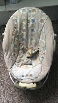 baby's white and gray bouncer Barrie, L4N 7N1
