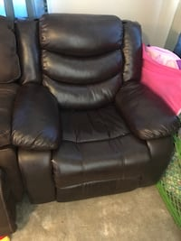 Brown leather recliner Thornton