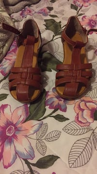 pair of brown leather open-toe sandals Washington, 20019