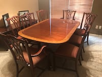 Council Craftsman Dining room table, 8 chairs, 2 leaves  Euless, 76039