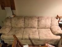 Couch Springfield, 22152