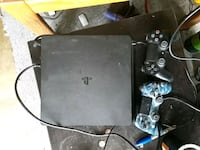 ps4 and 2 controllers Vancouver, 98682