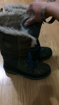 Canadiana winter boots size 7 women  Vaughan, L4H 3B6