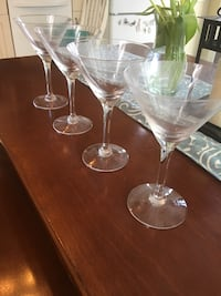 two clear glass wine glasses Mission Viejo, 92692