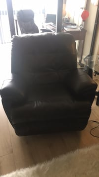 Dark brown leather reclining chair Arlington, 22201