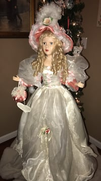Beautiful !!! Victorian Porcelain Collector Doll Gainesville, 20155
