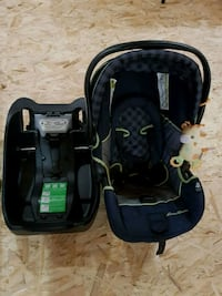 baby's black and gray car seat carrier Cambridge, N1P 1A1