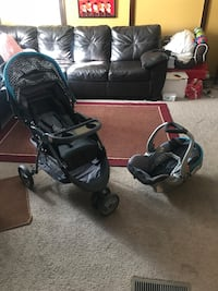 Baby trend car seat and stroller  71 km