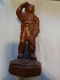 RED MILL APOLLO 17 25TH ANNIVERSAY WOOD FIGURE