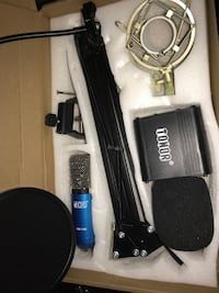 Bm-700 streaming mic with pop filter and arm