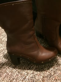 unpaired brown leather round-toe chunky heel mid-calf boot Chatham, N7L 4P8