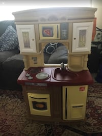 white and brown kitchen play set Germantown, 20874