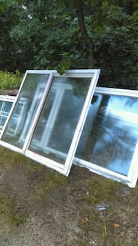 two white wooden framed glass windows Muskegon, 49442