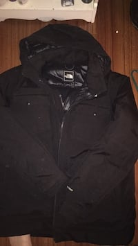 Large size North Face jacket awesome jacket but got new one good for winter 85 obo will take trades  Aldergrove, V4W 3H7