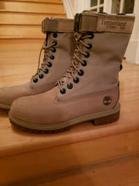 BRAND NEW Timberland Boots...never worn.  Size 4 boys...price firm...p Ajax, L1T 4B6