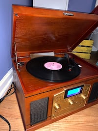 Encore Technology Record Player