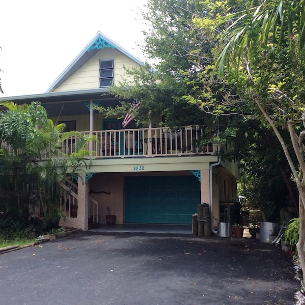 Key West style house fully furnished including up to $400.00 a month for utilities so no additional deposit money required.