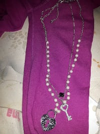silver beaded heart lock and hey necklace Milton, L9T 6W6