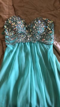 Prom or fancy dress ! Worn once perfect condition  Guelph, N1E 1V1